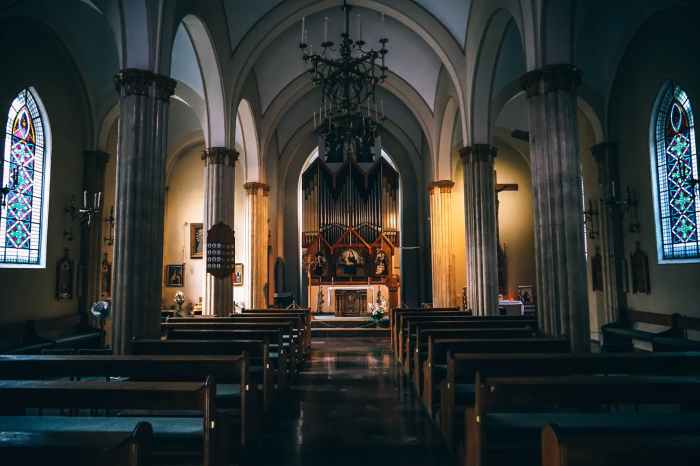 aisle altar arches architecture